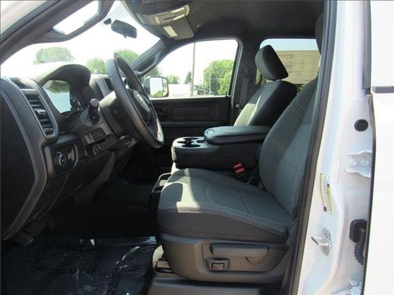 2021 RAM 3500 TRADESMAN CREW CAB CHASSIS 4X4 60 CAImage 12