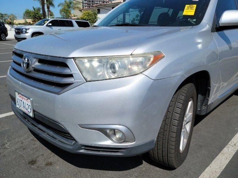 2011 Toyota Highlander BaseImage 5