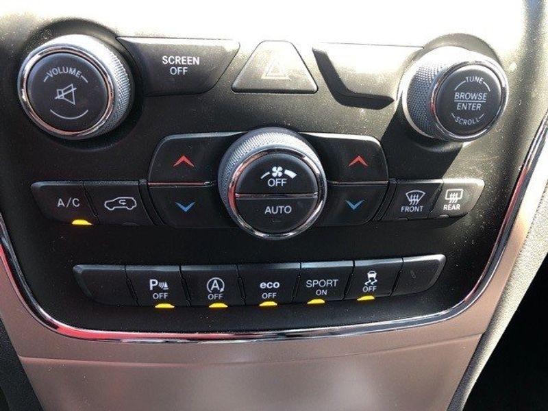 2017 Jeep Grand Cherokee LaredoImage 32