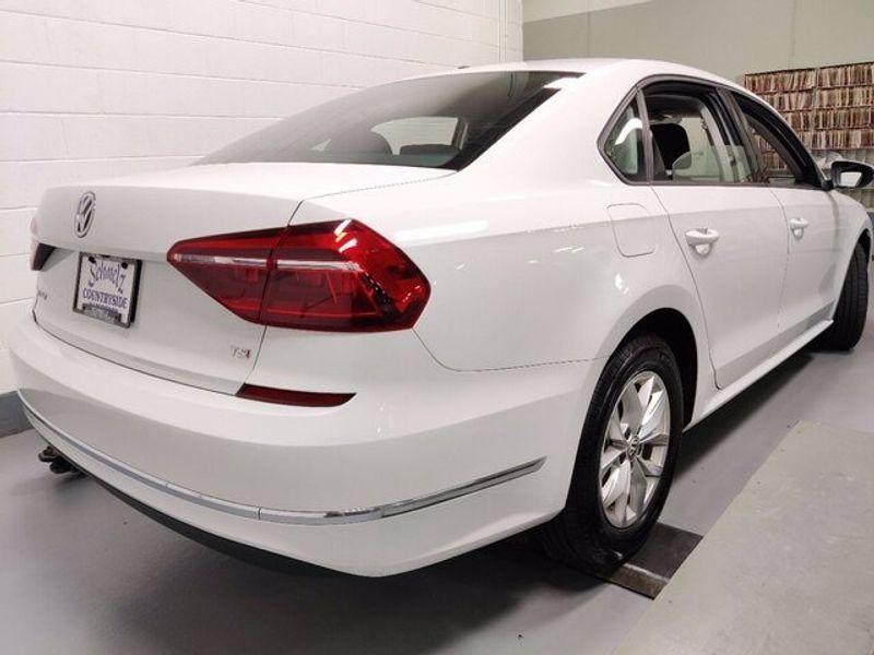 2018 Volkswagen Passat 2.0T SImage 7
