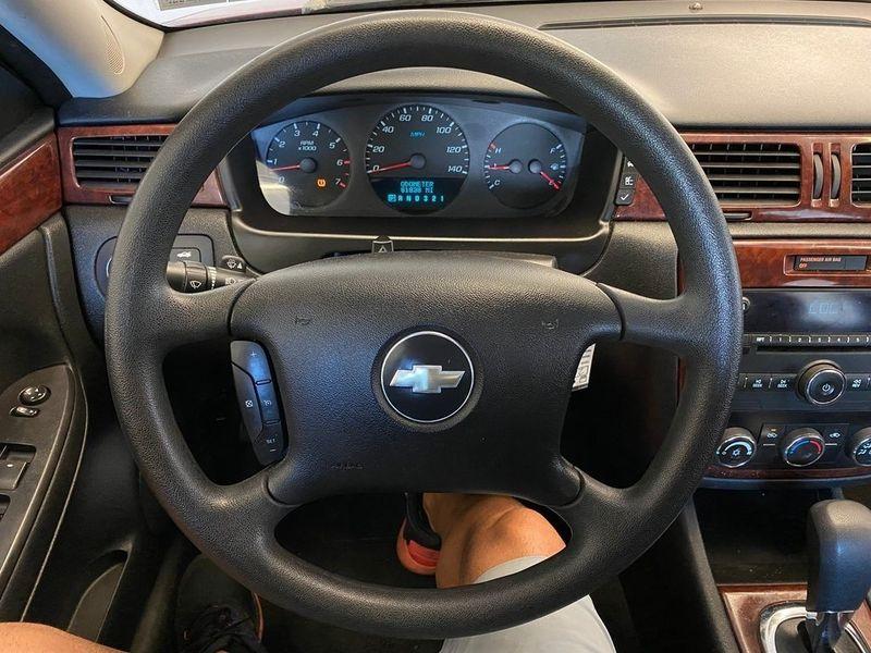 2008 Chevrolet Impala LSImage 2