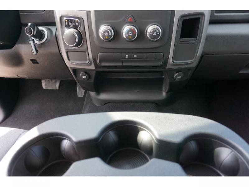 2021 RAM 1500 CLASSIC TRADESMAN CREW CAB 4X2 5