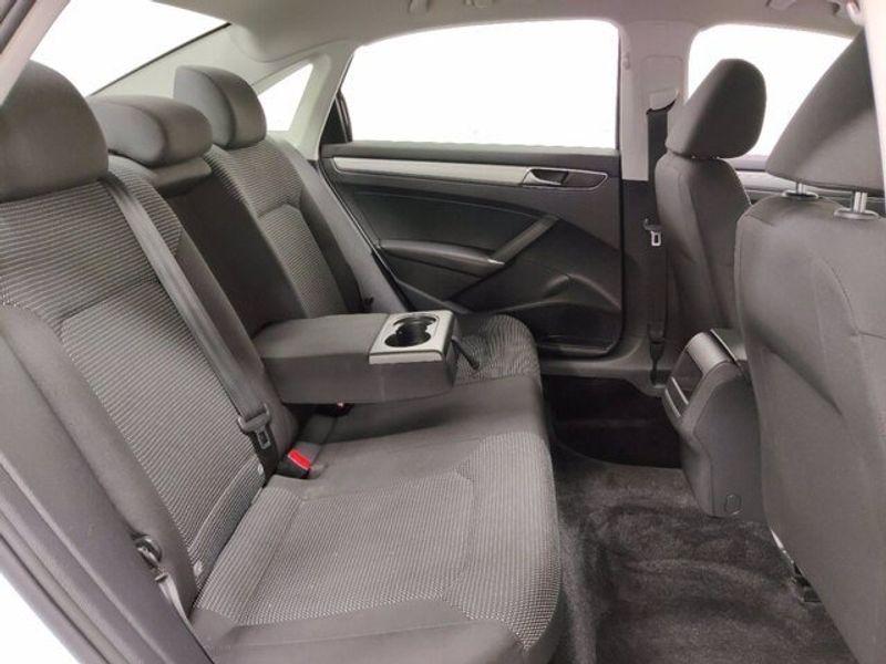 2018 Volkswagen Passat 2.0T SImage 10