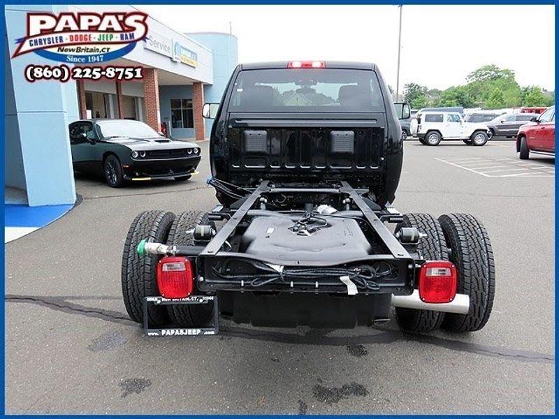 2021 Ram 3500 Chassis Cab TradesmanImage 6