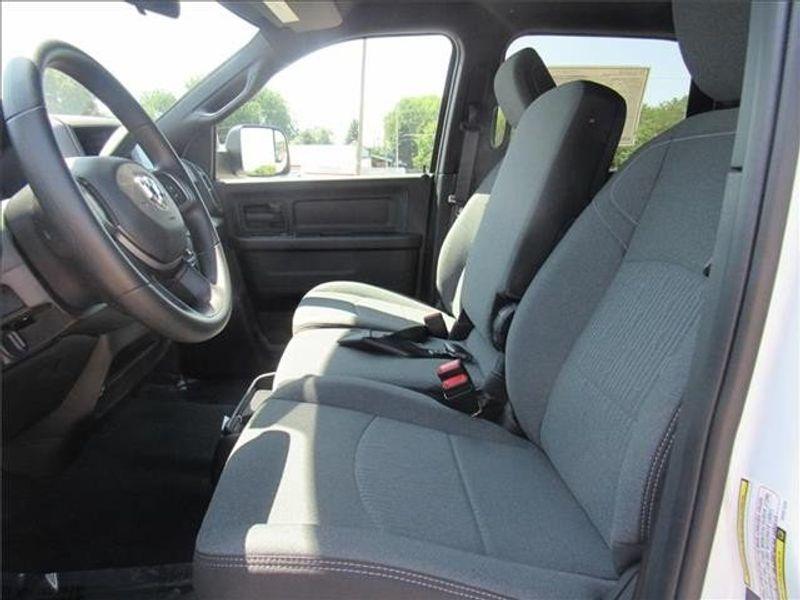 2021 RAM 3500 TRADESMAN CREW CAB CHASSIS 4X4 60 CAImage 13