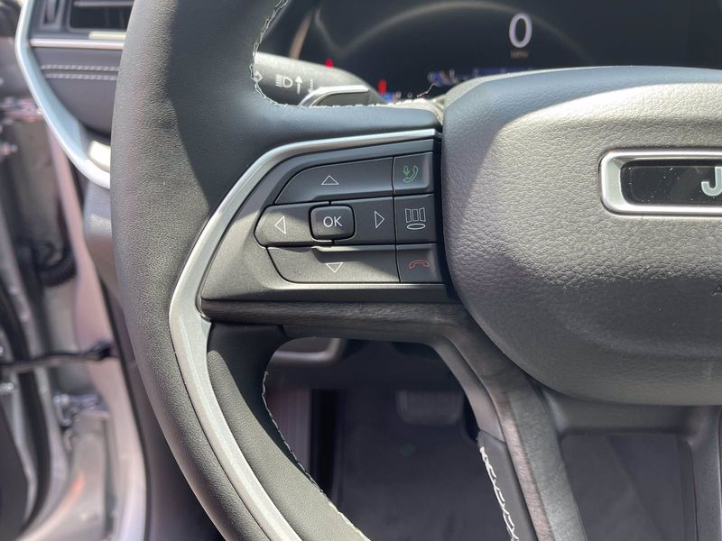 2021 JEEP GRAND CHEROKEE L LIMITED 4X2Image 16