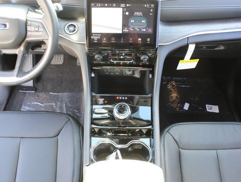 2021 JEEP GRAND CHEROKEE L LIMITED 4X4Image 20