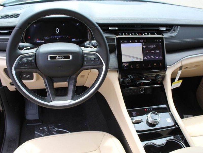 2021 JEEP GRAND CHEROKEE L LIMITED 4X4Image 14