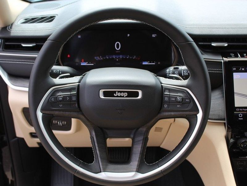 2021 JEEP GRAND CHEROKEE L LIMITED 4X4Image 15